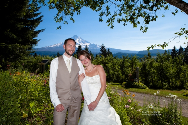 Mt Hood Organic Farm wedding photographer