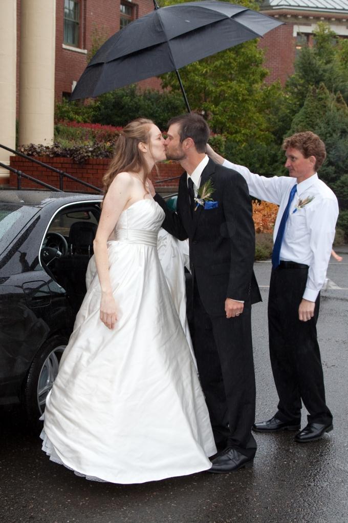 McMenamins Grand Lodge wedding photographer