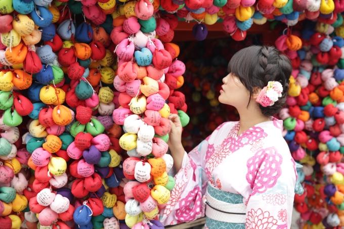 Kimono shrine