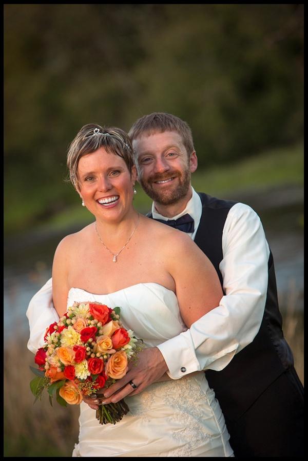 Northern Lights wedding. Eugene wedding photographer, Portland wedding photographer; © Matt Emrich Photo